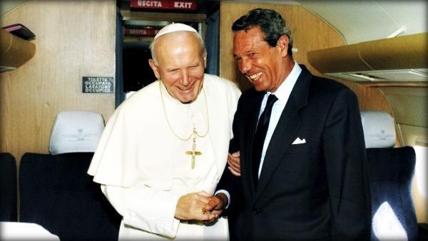 Navarro-Valls: Giovanni Paolo II sapeva che il Muro di Berlino sarebbe caduto
