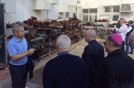 La visita dei vescovi CEI : « Ci sono ancora fiori nel deserto di Gaza »