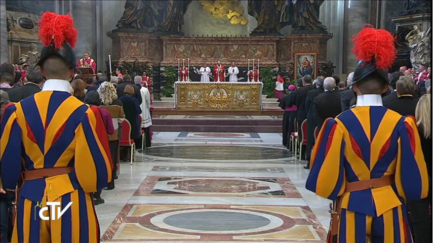 Papa Francesco: la Risurrezione di Gesù è l'avvenimento in cui dobbiamo entrare