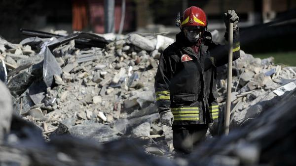 L'Aquila. La parrocchia più colpita (sessantasette vittime) aspetta le nuove famiglie
