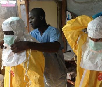 Ebola, Caritas. Mons. Vitillo: azione Chiesa più coordinata ed efficace