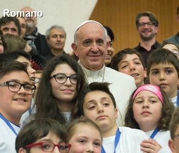 Francesco a bambini Azione Cattolica con Gesù tutto è possibile