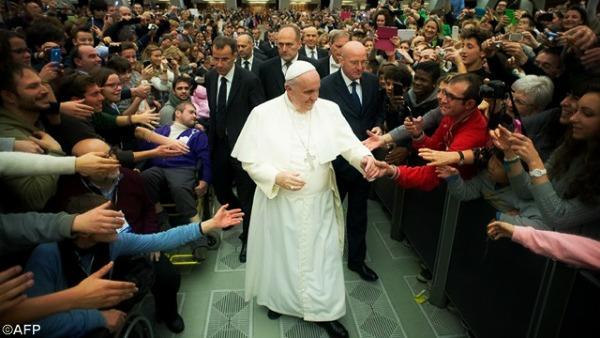 Valente: Francesco svela i cuori, colpisce suo legame con il Popolo di Dio