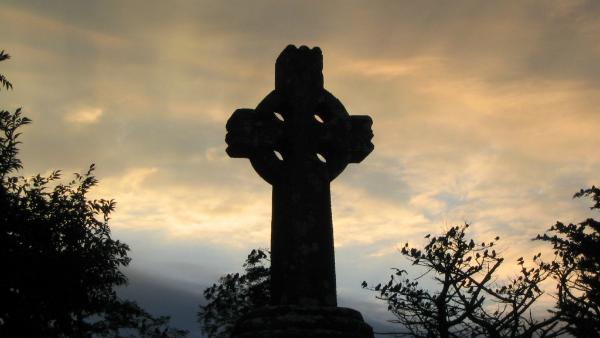 """a Chiesa cattolica in Irlanda è costretta a sospendere, suo malgrado, la sua collaborazione con """"Family Care Society–Northern Ireland"""""""