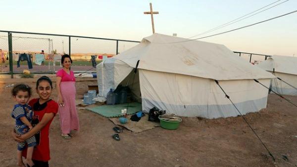 Natale in Iraq. Il nunzio: cristiani certi che Dio non abbandona