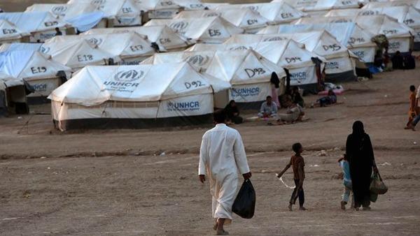 Iraq, mons. Nona tra i profughi: servono case per famiglie