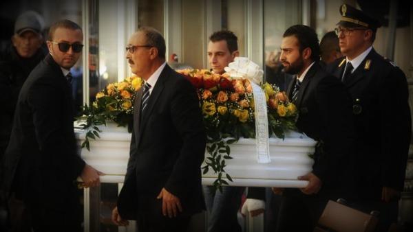 I funerali di Loris: ''La nostra umanità si ribella''