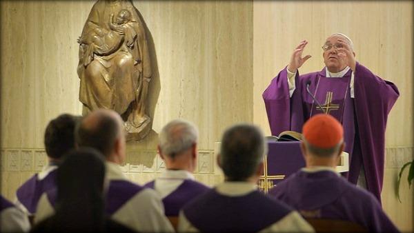papa francesco viola santa marta