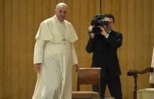 Papa Francesco: i cattolici non cadano nei peccati dei media. Disinformazione, calunnia e diffamazione.