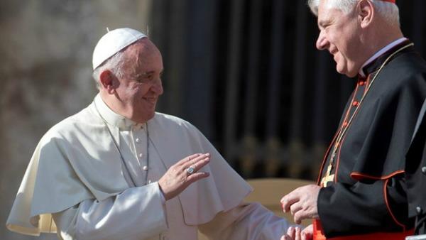 Papa Francesco: teologi, il cuore è la prima intelligenza. Spazio alle donne