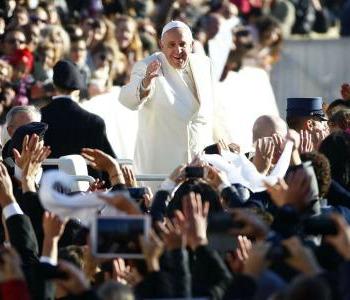 Papa Francesco: Il Signore converta i cuori dei violenti