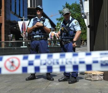 Sydney, decine di ostaggi in un bar. Esposta bandiera islamica.