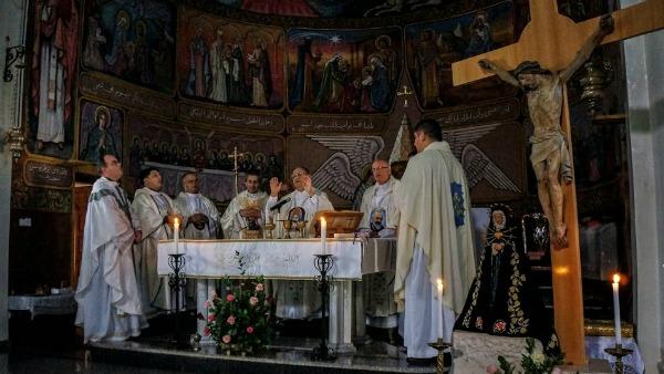 Il Patriarca Twal visita Gaza: per tanti bambini rifugiati oggi sarebbe un lusso poter vivere nella grotta dove è nato Gesù