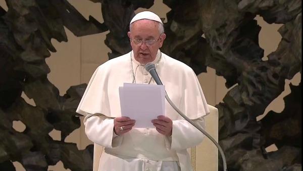 Papa Francesco: La fede sposta davvero le montagne dell'indifferenza e dell'apatia