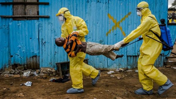 Ebola, bimbi vittime due volte del virus