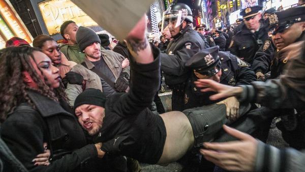 proteste contro la brutalità della polizia negli USA