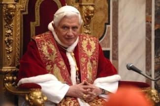 21856-il-papa-alla-curia-romana-no-alle-nozze-gay-s-alla-famiglia- (1)
