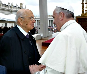Napolitano al Papa: i governi agiscano contro la schiavitù