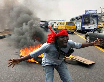 Nigeria: Boko Haram distrugge città e villaggi, si temono duemila morti
