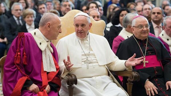 Papa Francesco alla Rota Romana: esaminare la volontà matrimoniale