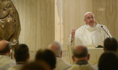 Papa Francesco: la fede è dono dello Spirito Santo trasmesso dalle donne
