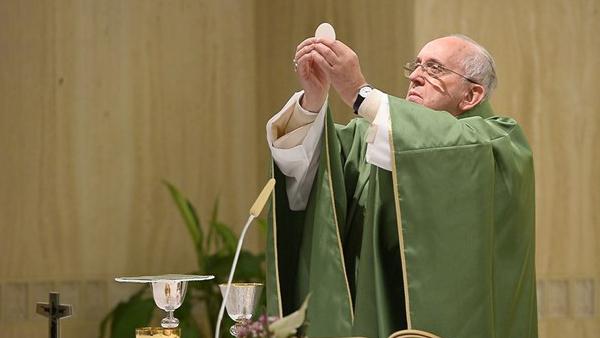 Papa: salvezza e intercessione di Gesù più importanti di guarigioni