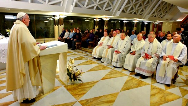 Papa Francesco celebra la Messa per le vittime della strage di Parigi