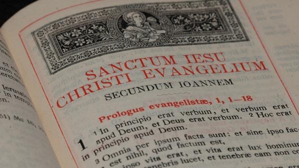 Card. Betori, Mirabelli, mons. Penna e don Costa presentano Bibbia LEV italiano-latino