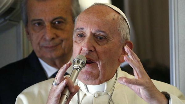 Papa Francesco: i filippini mi hanno commosso. Forse in Africa a fine anno