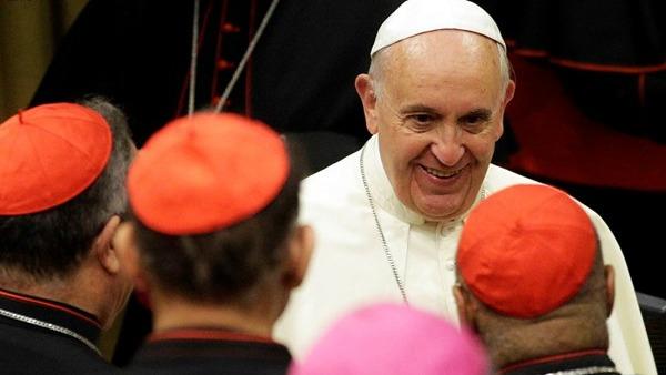 Concistoro. Papa Francesco: riforma Curia per rafforzare testimonianza cristiana