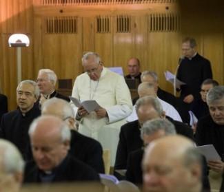 Esercizi spirituali. Mons. Zanella: dal Papa esempio valido per tutti
