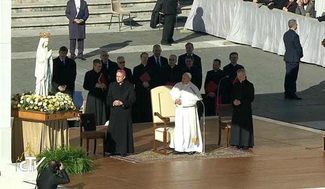 Papa Francesco: La gioia dei figli fa palpitare i cuori dei genitori e riapre il futuro