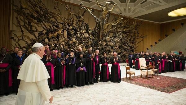 I vescovi 'dei poveri' accanto a Papa Francesco