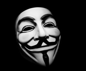 Rete mondiale di hacher Anonymus contro lo Stato islamico