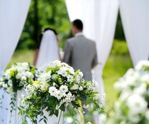 Un falso ben servito: I matrimoni veri? Solo per coraggiosi