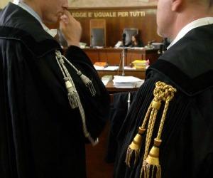 La responsabilità civile dei giudici ora è legge