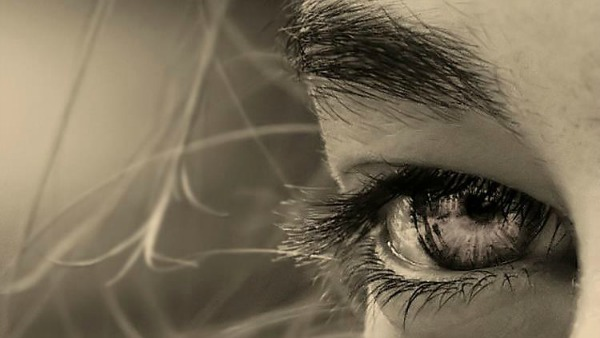 La difficile arte di guardarsi negli occhi