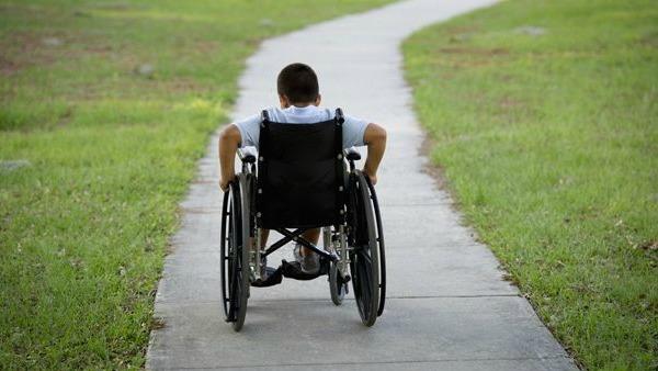 Per colpa dei tagli alla sanità i disabili rimangono a casa. Dov'è la tragedia.