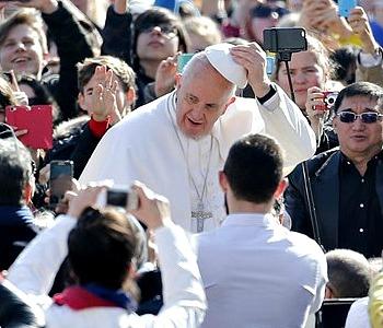 Il grazie dei fedeli a Francesco: le sue parole sono semplici e vere