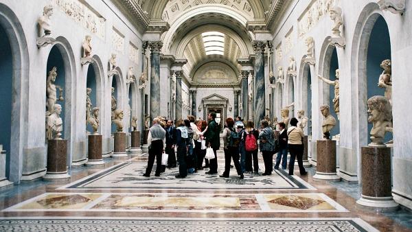 Senzatetto in visita ai Musei Vaticani