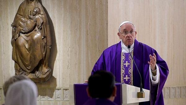 Papa Francesco: la mondanità non ci fa vedere i poveri e le loro piaghe