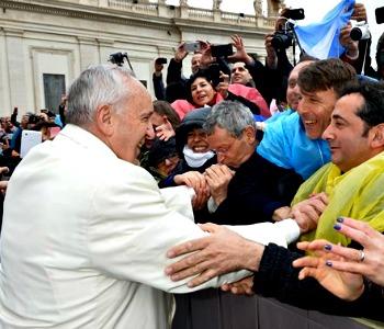 Papa Francesco: lottare per diritto al lavoro, no a logica profitto