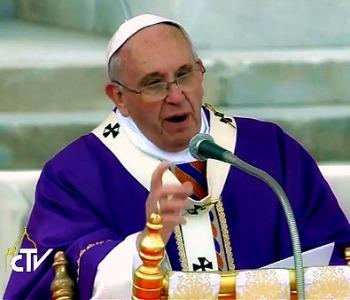 Papa Francesco: Cari napoletani, non lasciatevi rubare la speranza!