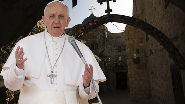 Papa Francesco: siamo vicini a Gesù nell'ora della prova