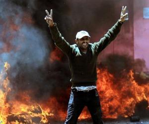 Yemen: guerra araba contro i ribelli. Il presidente in fuga