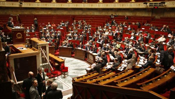 "Parigi approva ""l'eutanasia alla francese"""