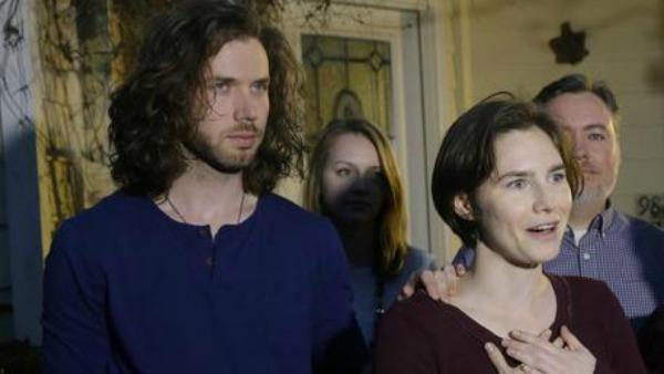 Omicidio Meredith, Amanda Knox e Raffaele Sollecito assolti in Cassazione