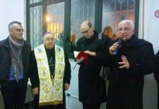 il-momento-della-benedizione-presenti-l-arcivescovo-Morosini-e-gli-assessori-Marino-e-Marcianò-426x240