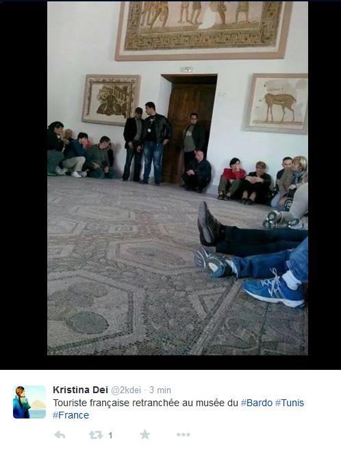 Strage di Tunisi, italiani tra le vittime I morti sono 19, l'Is rivendica