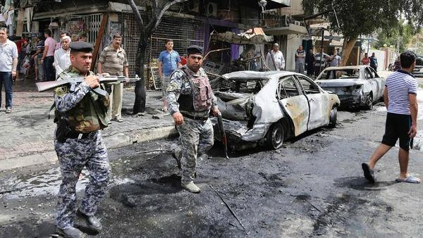 Iraq, i miliziani dell'Is decapitano 25 persone
